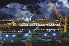 Bateau de croisière sur le dock sec Images libres de droits