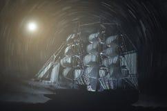 Bateau de fantôme de pirate illustration de vecteur