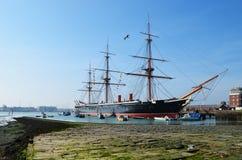 Bateau de guerrier de HMS à chantier de construction navale naval historique de Portsmouth photos stock