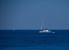 Bateau de l'Europe de mer d'été de Rhodos Grèce Photographie stock libre de droits