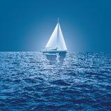 Bateau de lever de soleil de mer illustration libre de droits