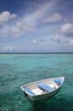 Bateau de ligne sur la mer Photographie stock libre de droits