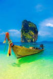 Bateau de Longtail dans Krabi, Thaïlande Images libres de droits