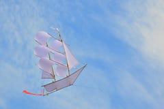 Bateau de navigation de cerf-volant Photos libres de droits