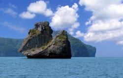 Bateau de navigation de roche-un Photo libre de droits