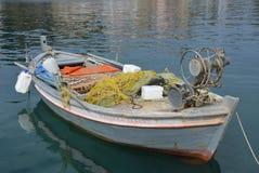 Bateau de pêche à Corfou photographie stock libre de droits