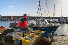 Bateau de pêche à la marina en Brighton Sussex le 8 janvier 2019 images stock