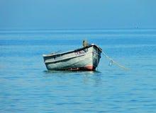 Bateau de pêche à la mer Photo stock