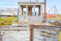 Bateau de pêche abandonné dans BerlevÃ¥g dans Finnmark, Norvège image stock