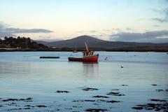 Bateau de pêche au sundet Image libre de droits