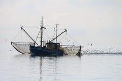 Bateau de pêche aux Pays-Bas Photographie stock