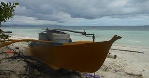 Bateau de pêche d'île de Panglao, Philippines Images libres de droits