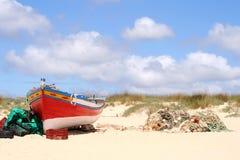 Bateau de pêche d'Algarve images libres de droits