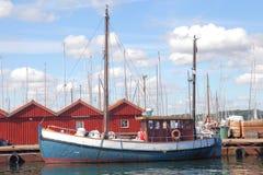 Bateau de pêche dans Laboe Image libre de droits
