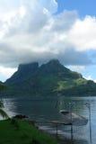 Bateau de pêche de Bora Bora Photos stock