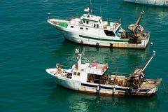 Bateau de pêche de chalutier - Ligurie Italie Image stock