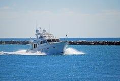 Bateau de pêche de charte Images libres de droits