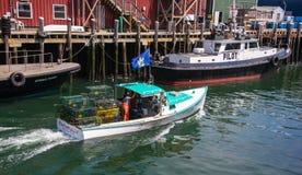 Bateau de pêche de homard photo libre de droits