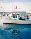 Bateau de pêche de homard images libres de droits