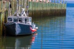 Bateau de pêche du port de Hall Images libres de droits