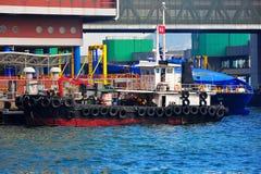 Bateau de pêche et hydroptère Image stock