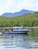 Bateau de pêche saumoné de charte de l'Alaska Ketchikan Photographie stock libre de droits