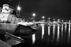 Bateau de pêche se reposant pour le jour suivant photos libres de droits