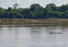 Bateau de pêche sur le Mekong en Thaïlande image stock
