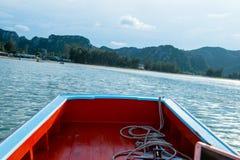 Bateau de pêche thaïlandais utilisé comme véhicule pour trouver des poissons Photo libre de droits