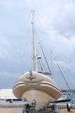 Bateau de pêche traditionnel à la péninsule de Halkidik photo stock