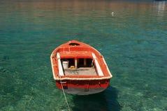 Bateau de pêche traditionnel en Grèce image stock