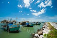 Bateau de pêcheur en Thaïlande Images stock
