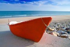 Bateau de pêche rouge Image libre de droits
