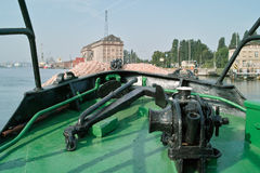 Bateau de point d'attache de machines. Photo stock