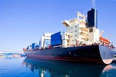 bateau de port de Hambourg de cargaison d'activités Image stock