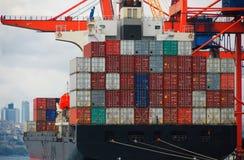 bateau de port de Hambourg de cargaison d'activités Images stock