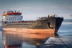 bateau de port de Hambourg de cargaison d'activités Images libres de droits