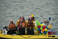 Bateau de sauvetage avec l'équipage Images libres de droits