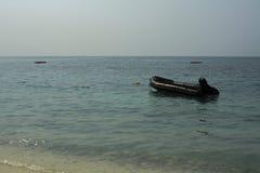 Bateau de sauvetage dans l'unité de délivrance de seaof pour prendre soin de touriste dedans Images stock