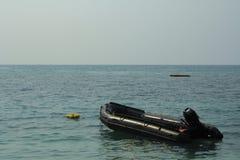 Bateau de sauvetage dans l'unité de délivrance de seaof pour prendre soin de touriste dedans Photo libre de droits
