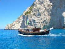 Bateau de touristes à bord Photographie stock libre de droits