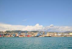 Bateau de touristes dans le vieux port Photo stock