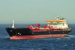 Bateau de transporteur de pétrole brut de camion-citerne image stock