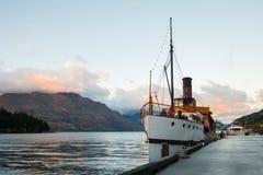 Bateau de vintage au lac Wakatipu, Queenstown, Nouvelle-Zélande Images stock