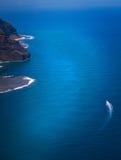 Bateau de vitesse outre de côte de Kauai Photo libre de droits