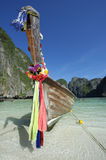 Bateau en bois de Maya Bay Thailand Traditional Thai Longtail Photos libres de droits