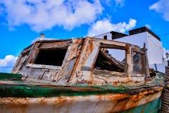 Bateau en bois sur la plage Images libres de droits