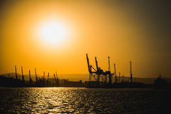 Bateau et beau coucher du soleil Image stock