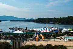 Bateau et festival 2016 de Smith Mountain Lake Antique Classic images libres de droits