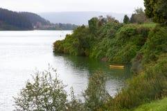 Bateau et fleuve Photos stock